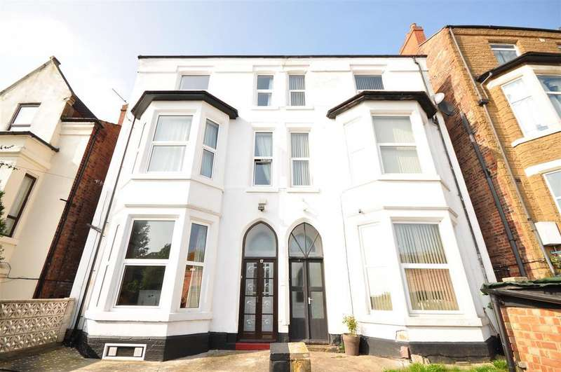 6 Bedrooms Semi Detached House for sale in Goldswong Terrace, Nottingham, NG3 4HB