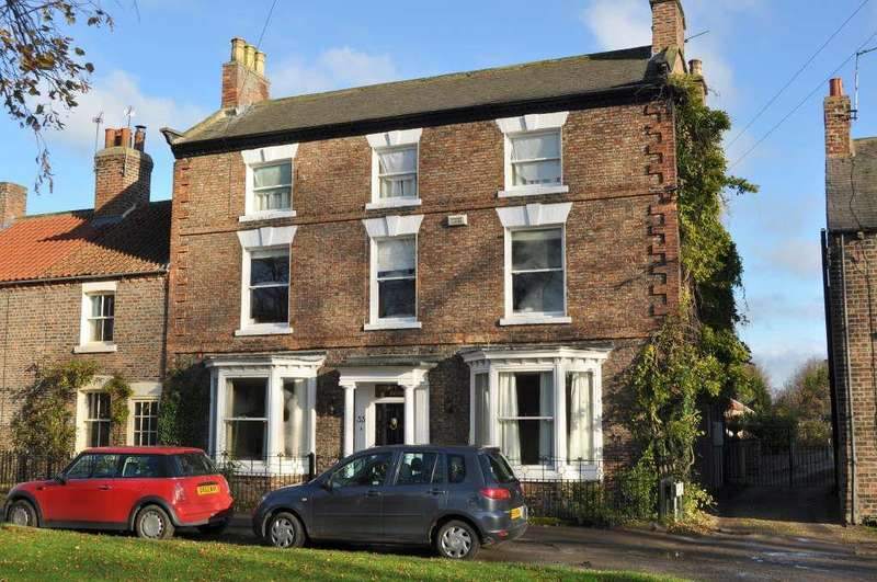6 Bedrooms Detached House for sale in Front Street, Sowerby