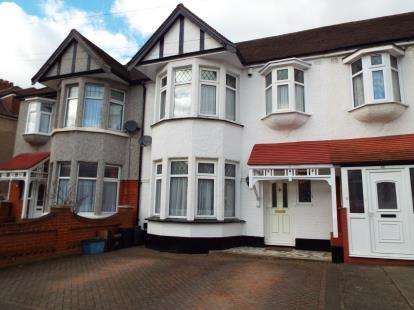 House for sale in Gants Hill, Ilford, Essex