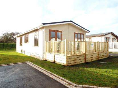 2 Bedrooms Bungalow for sale in Stretham, Ely, Cambridgeshire