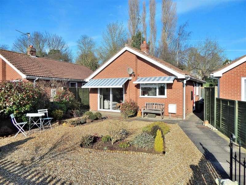2 Bedrooms Detached Bungalow for sale in Kingscroft, Dersingham, King's Lynn