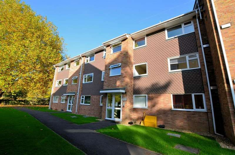 2 Bedrooms Apartment Flat for sale in Liebenrood Road, Reading