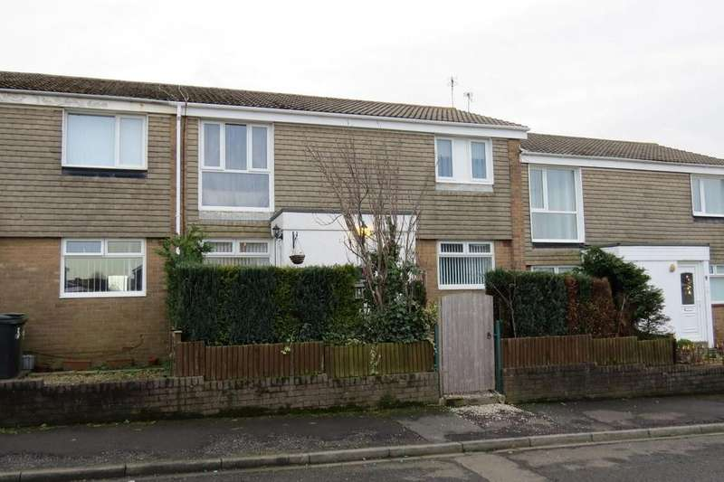 2 Bedrooms Flat for sale in Lyndhurst Road, North Seaton, Ashington
