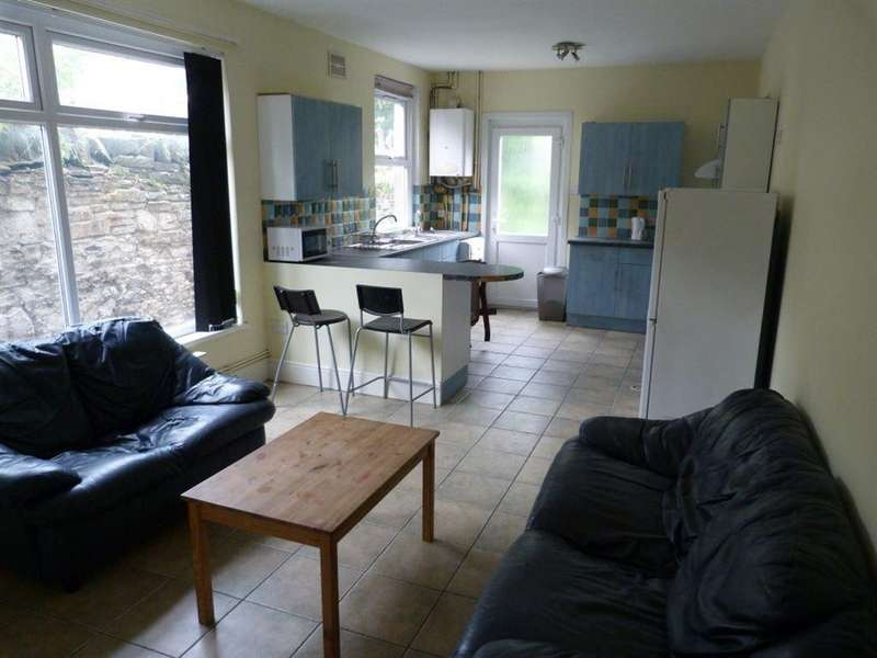 6 Bedrooms House for rent in Mackintosh Place, Roath, ( 6 Beds )