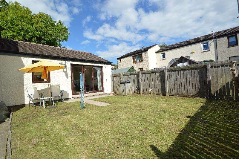 1 Bedroom Bungalow for sale in Lanfine Row, Irvine, North Ayrshire, KA11 1BS