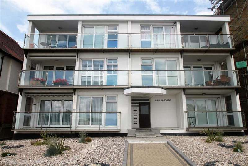 3 Bedrooms Apartment Flat for sale in The Leas, Westcliff On Sea