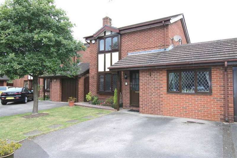 3 Bedrooms Detached House for sale in Fairmeadow, Pulford