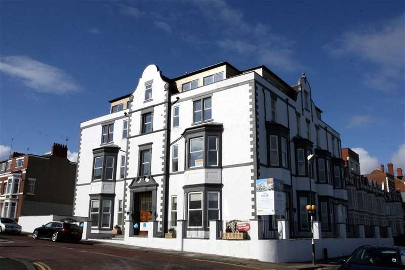 2 Bedrooms Apartment Flat for sale in Esplanade, Whitley Bay, Tyne Wear, NE26