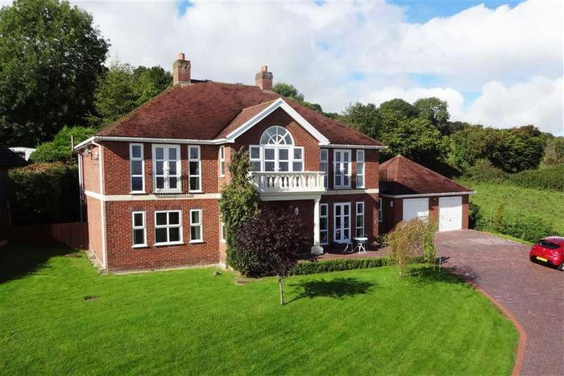 4 Bedrooms Detached House for sale in Pen Y Ball, Holywell