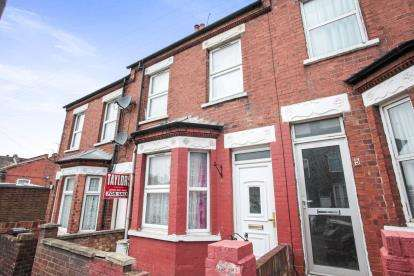 3 Bedrooms Terraced House for sale in Spencer Road, Luton, Bedfordshire