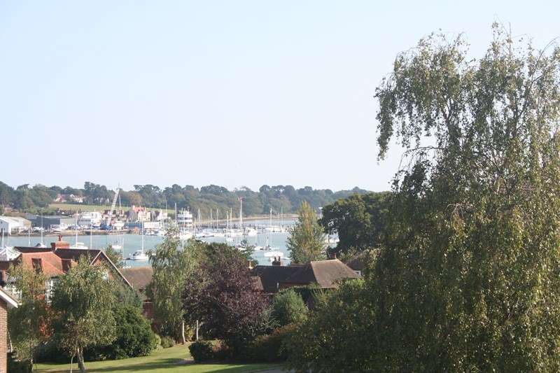 2 Bedrooms Apartment Flat for sale in River Green, Southampton