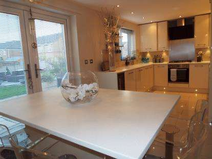 3 Bedrooms Detached House for sale in Fairmount Road, Wrexham, Wrecsam, LL13