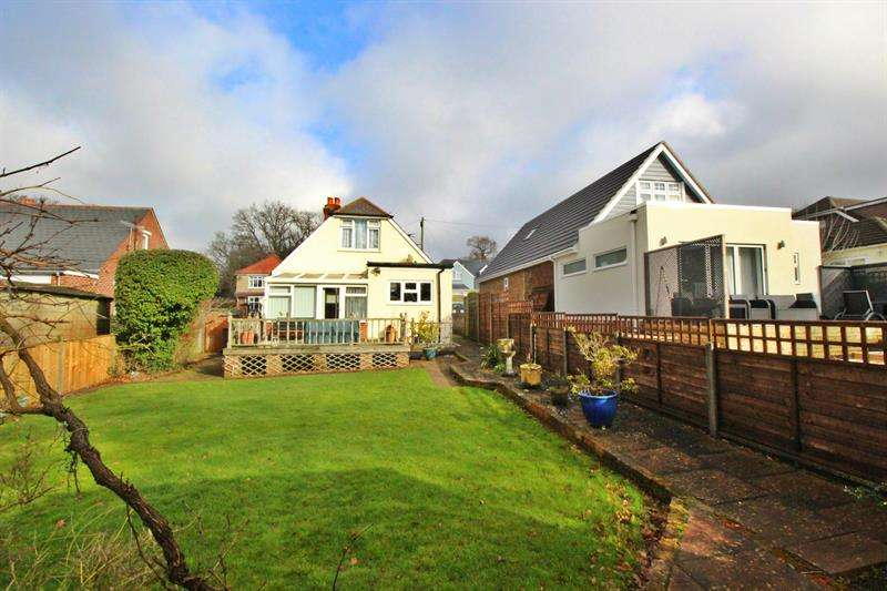 2 Bedrooms Detached House for sale in Rowlands Avenue, Waterlooville