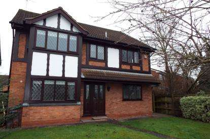 4 Bedrooms Detached House for sale in Nigel Gresley Close, Crewe, Cheshire