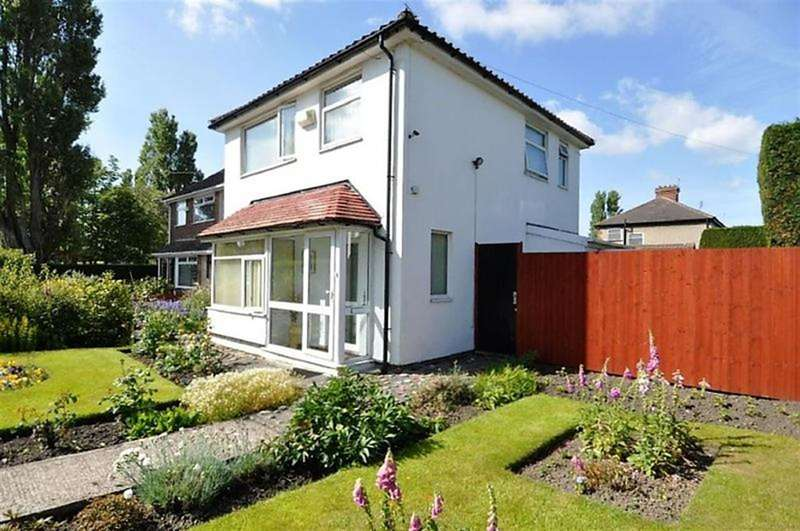 3 Bedrooms Detached House for sale in Reeds Lane, Wirral, CH46 1QR