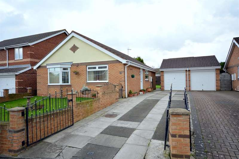 3 Bedrooms Bungalow for sale in Helmsley Drive, Coundon, Bishop Auckland, DL14 8NX