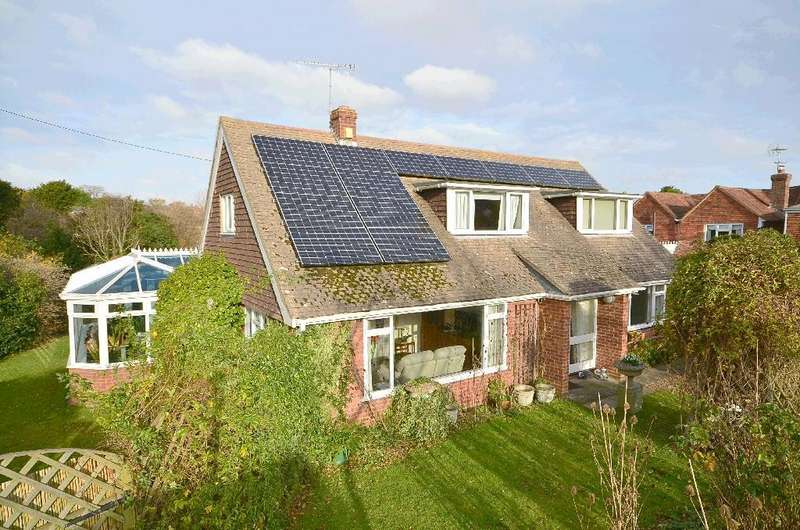 5 Bedrooms Detached House for sale in Main Street, Northiam
