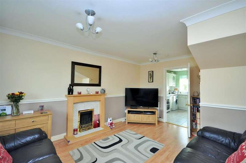 2 Bedrooms Semi Detached House for sale in Holyrood Drive, Rawcliffe, York