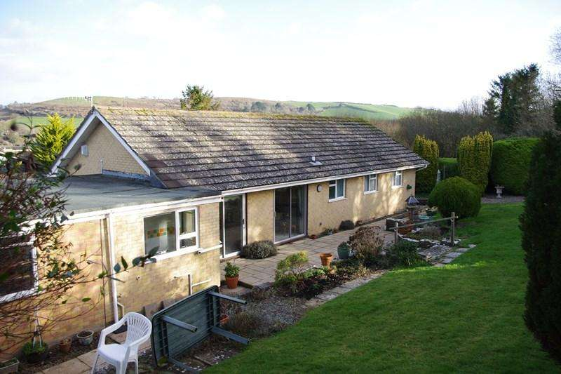 3 Bedrooms Detached Bungalow for sale in Coopers Drive, Bridport