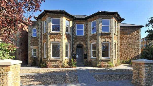 2 Bedrooms Apartment Flat for sale in Glenthorne, West Road, Guildford, Surrey
