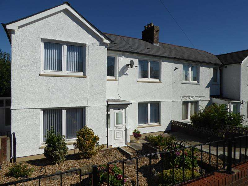 3 Bedrooms Semi Detached House for sale in East Avenue, Caerphilly