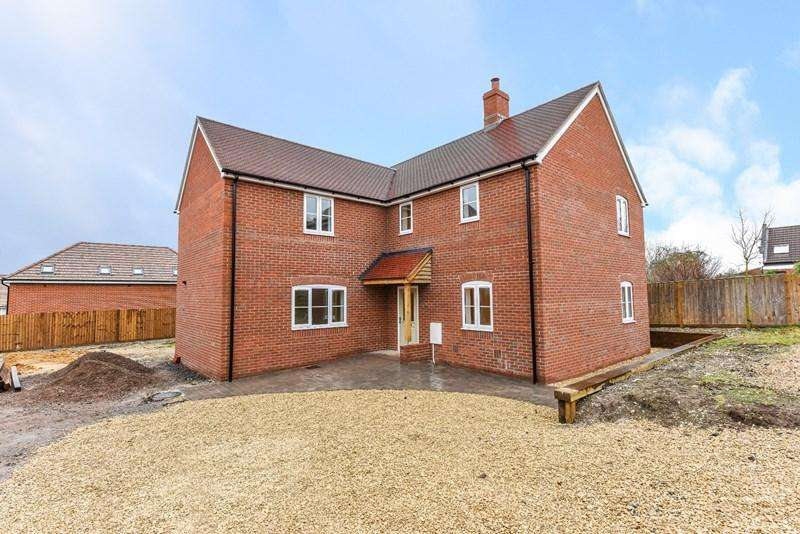 4 Bedrooms Detached House for sale in Ox Drove, Andover