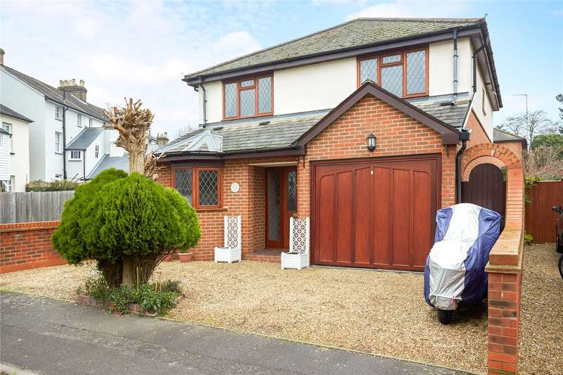 4 Bedrooms Detached House for sale in Ladbroke Road, Epsom, Surrey, KT18