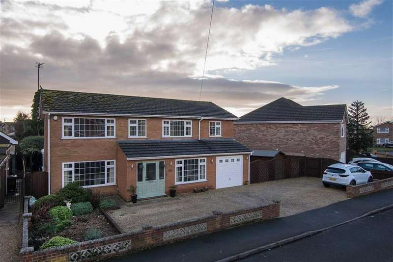 4 Bedrooms Detached House for sale in Chestnut Avenue, Holbeach
