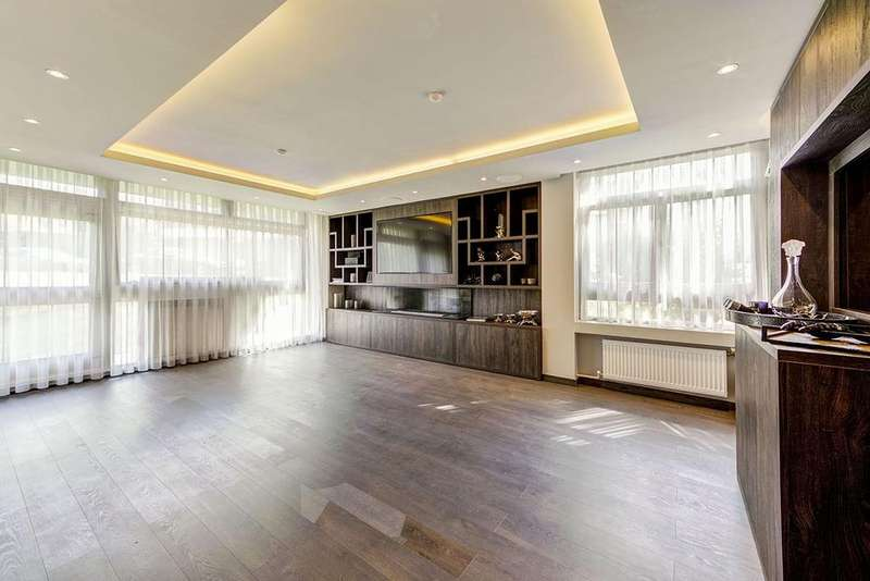 3 Bedrooms Ground Flat for sale in St John's Wood
