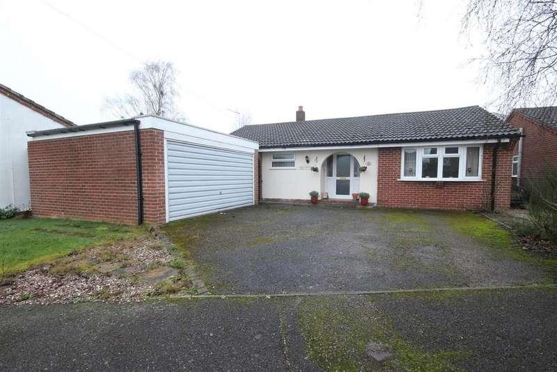 3 Bedrooms Detached Bungalow for sale in The Plain, Brailsford, Derbyshire