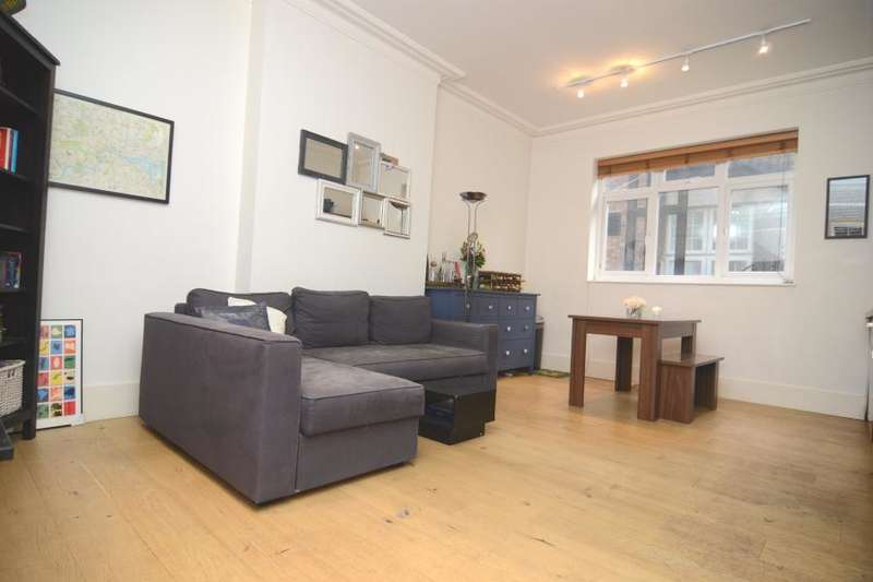 2 Bedrooms Flat for sale in Lavender Hill, Battersea, SW11