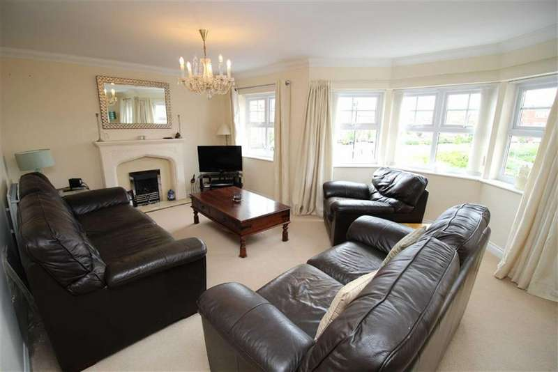3 Bedrooms Maisonette Flat for sale in Featherstone Grove, Newcastle Upon Tyne, NE3