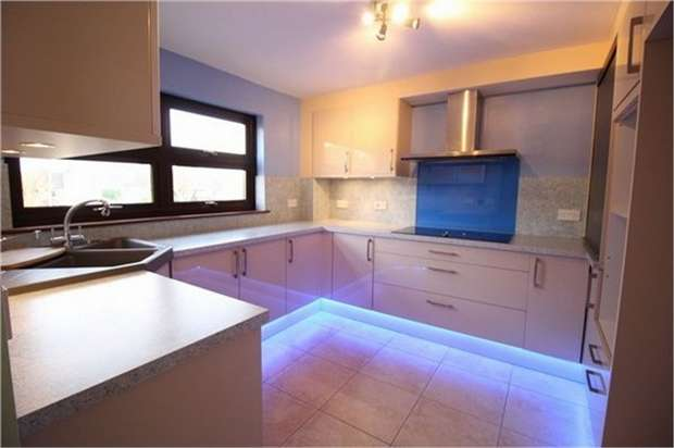 2 Bedrooms Flat for sale in Longbridge Estate, Ponthir, NEWPORT, Torfaen