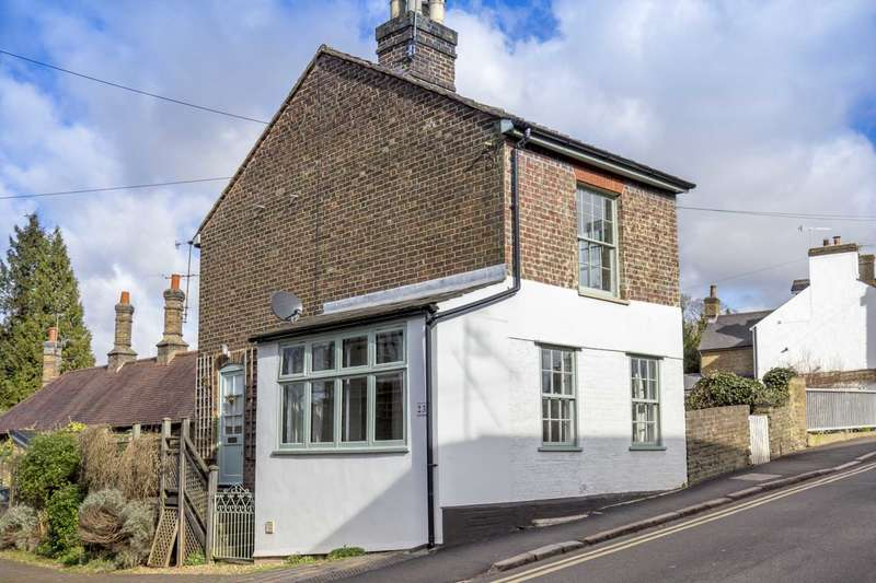 2 Bedrooms Detached House for sale in Ravens Lane, Berkhamsted