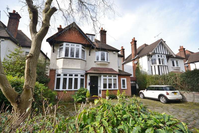 5 Bedrooms Detached House for sale in Esher