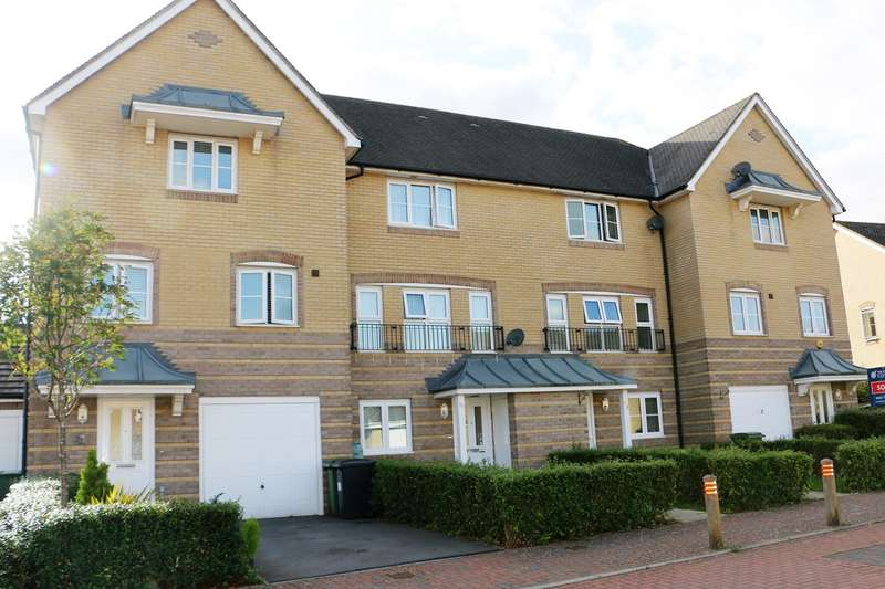4 Bedrooms Town House for sale in Wiltshire Crescent, Basingstoke, RG22