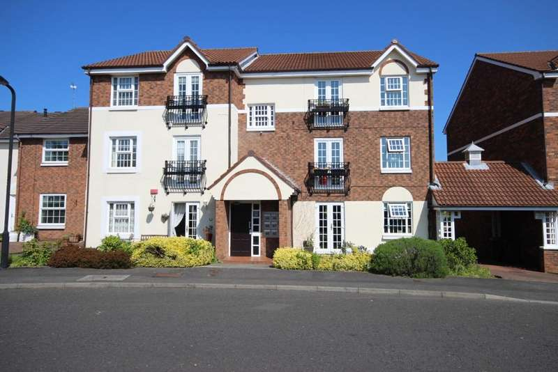 2 Bedrooms Flat for sale in Chathill Close, West Monkseaton, Whitley Bay, NE25