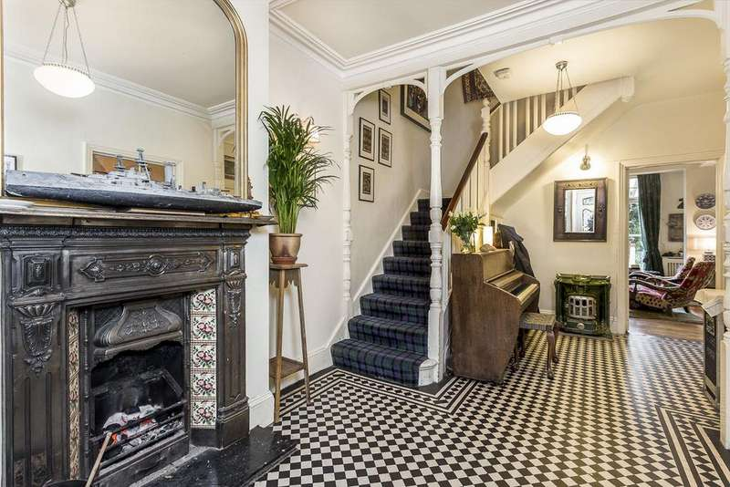 6 Bedrooms Semi Detached House for sale in Flanchford Road, Wendell Park, London, W12
