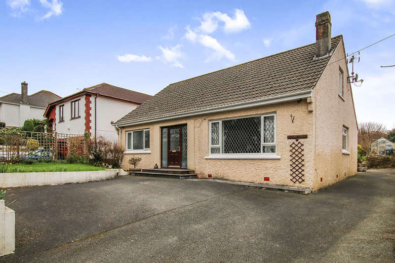 4 Bedrooms Detached Bungalow for sale in Sawles Road, ST. AUSTELL, PL25