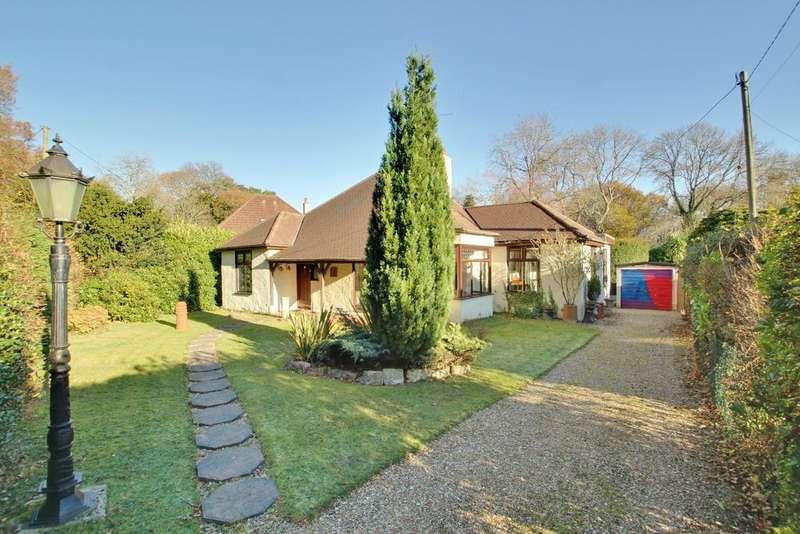 3 Bedrooms Detached Bungalow for sale in ROWNHAMS