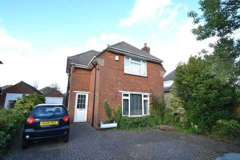 3 Bedrooms Detached House for sale in Boscombe East