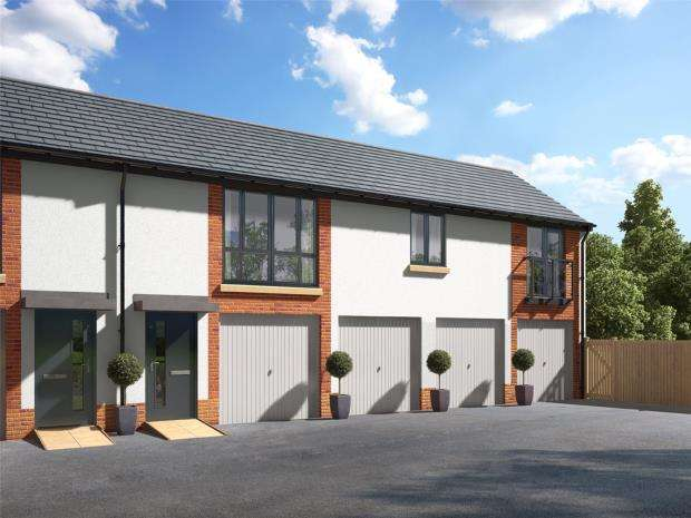 2 Bedrooms Maisonette Flat for sale in Meldon Fields, Okehampton, Devon