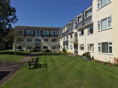 1 Bedroom Flat for sale in Manor Road, Sidmouth, Devon