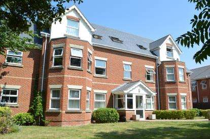 2 Bedrooms Flat for sale in 58 Alton Road, Bournemouth, Dorset