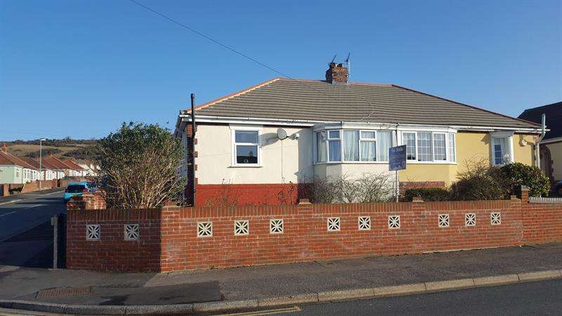 2 Bedrooms Semi Detached Bungalow for sale in Newbolt Road, Cosham, Portsmouth