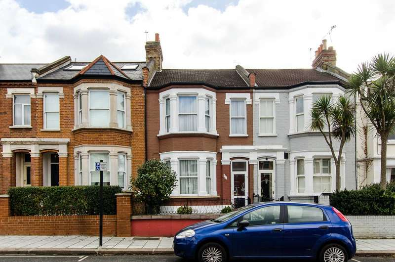 4 Bedrooms Terraced House for sale in Cavendish Road, Balham, SW12
