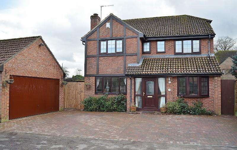 4 Bedrooms House for sale in Oakmead, Bramley