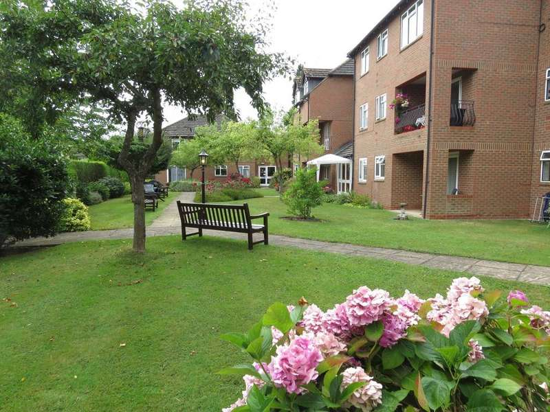 1 Bedroom Flat for sale in Trinity Court, Marlow