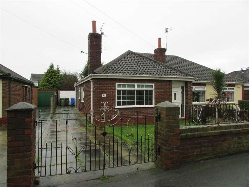 2 Bedrooms Semi Detached Bungalow for sale in Dundalk Road, WIDNES, Cheshire