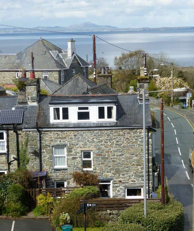 4 Bedrooms House for sale in Waterloo House, High Street, Harlech, LL46